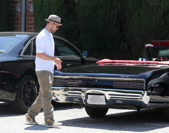 Justin Timberlake Wears Air Jordan 1 Military