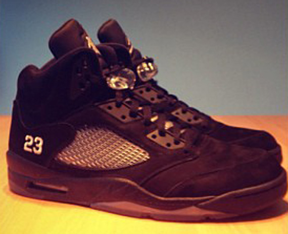 Air Jordan V: Black Out Sample