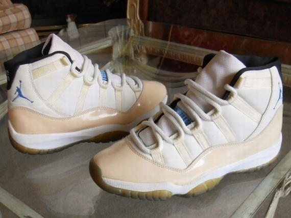Air Jordan XI: OG 1995 Columbia Sample