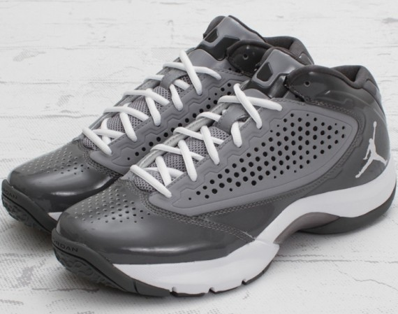 Jordan DReign: Stealth   White   Light Graphite