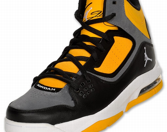 Jordan Flight 23 RST: Black   White   University Gold