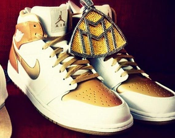 Air Jordan 1: Golden Moment