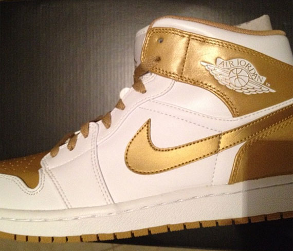 "Air Jordan 1: ""Golden Moments"""
