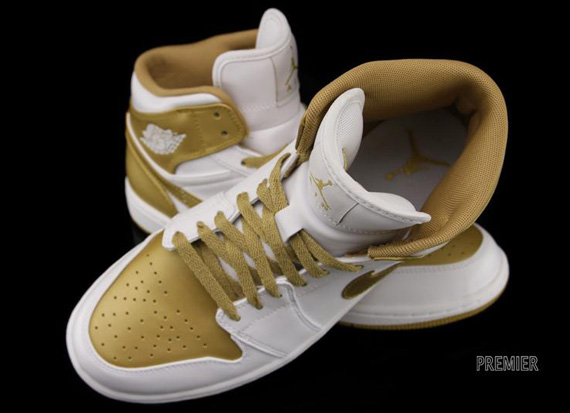 "Air Jordan 1 Phat: ""Metallic Gold"" – Available"