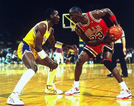 Jordans Daily History Lesson: Air Jordan IV Fire Red