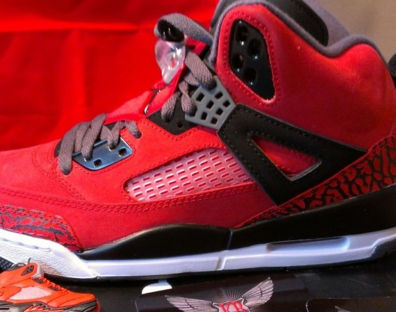 Jordan Spizike: Gym Red   Black   Dark Grey   White