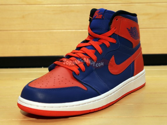 Air Jordan 1 High Knicks