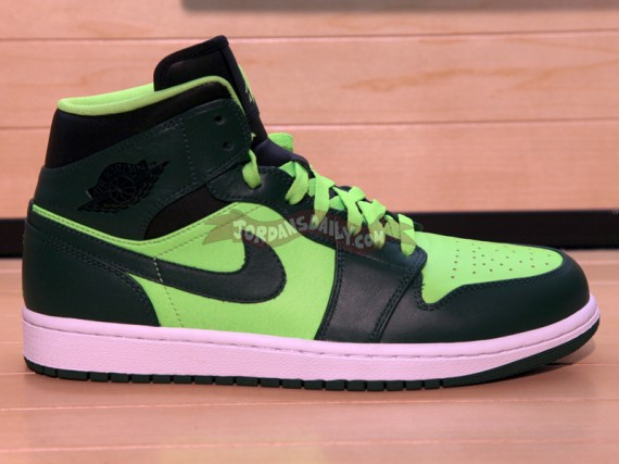 Air Jordan 1 Phat: Green  Neon