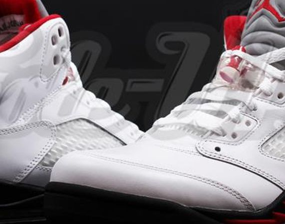 Air Jordan 5 Retro: White – Black – Fire Red