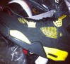 air-jordan-iv-thunder-2012-sample-01