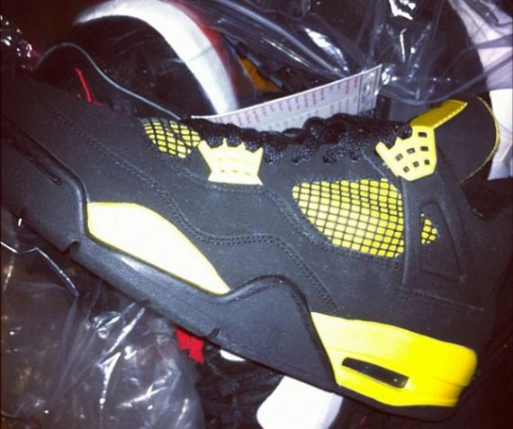 Air Jordan IV Thunder   2012 Retro Release