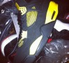 air-jordan-iv-thunder-2012-sample-02