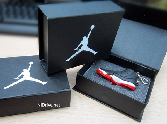 Air Jordan XI Bred USB Keychain