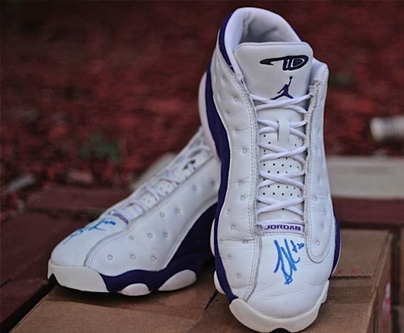 Air Jordan XIII Low: Game Worn Autographed Mike Bibby PE