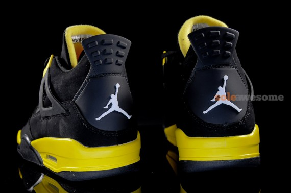 Thunder Air Jordan 4