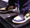 air-jordan-1-phat-marquette-golden-eagles-1