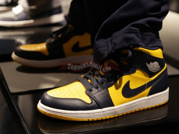 281ee97d ... discount code for rounding out the set of collegiate styled air jordan 1  b4bb6 2c971
