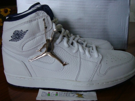 The Daily Jordan: Air Jordan 1   White   Midnight Navy   2001 (Japan Exclusive)