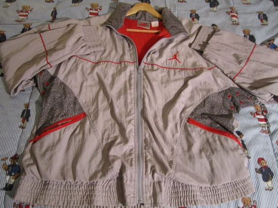 Vintage Gear: Air Jordan III White/Cement Windbreaker
