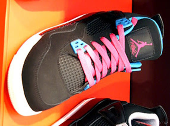 Air Jordan IV GS: Black – Dynamic Blue – Vivid Pink