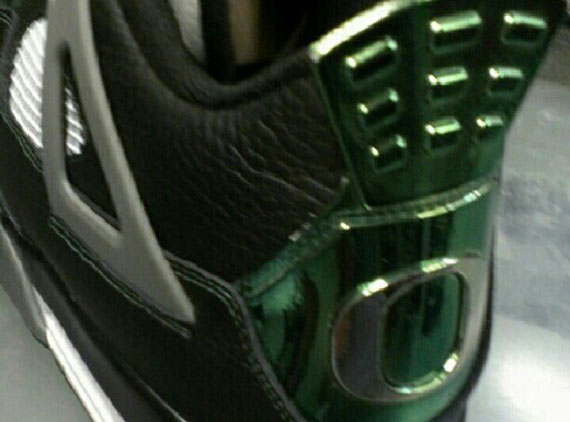 Air Jordan IV: Oregon Ducks