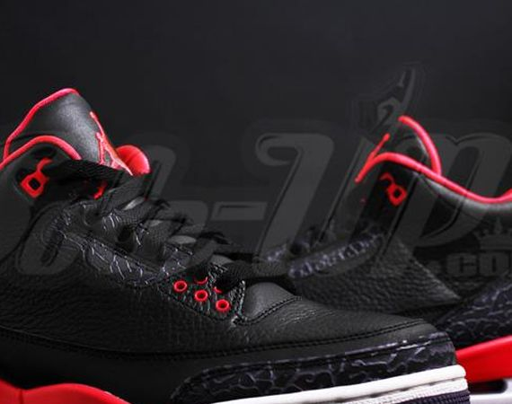 Air Jordan III Bright Crimson