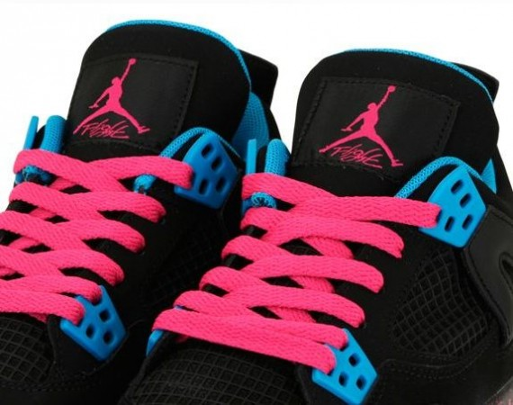 Air Jordan IV GS: Vivid Pink   Dynamic Blue