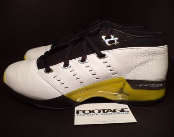 "The Daily Jordan: Air Jordan XVII Low ""Lightning""   2002"