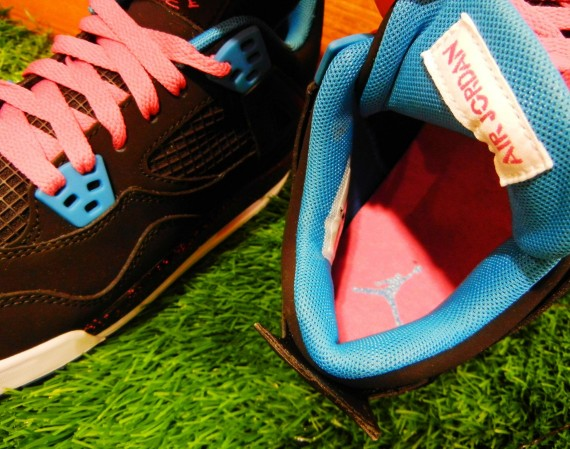 Air Jordan IV GS: Black – Dynamic Blue – Vivid Pink | Release Date