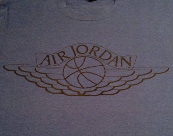 Vintage Gear: Navy Air Jordan Wings Logo Tee