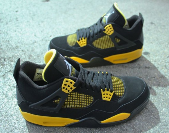 Air Jordan IV: Thunder   Arriving in Stores