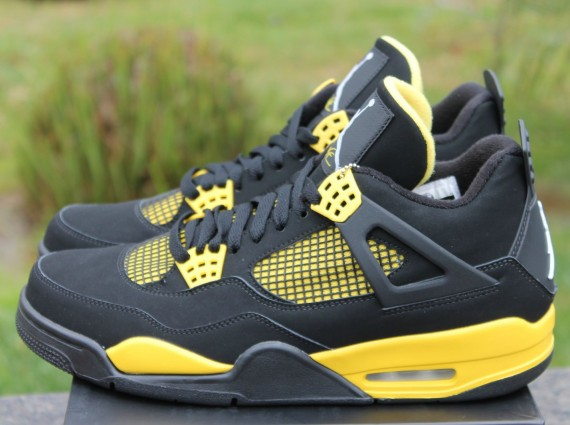 Air Jordan IV: Thunder  Release Reminder