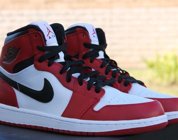 Air Jordan 1 High: Bulls   Release Reminder