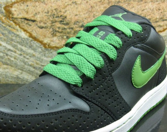 Air Jordan 1 Phat Low: Black/Chlorophyll Sample