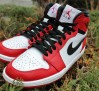 air-jordan-1-retro-high-bulls-sneakers-04