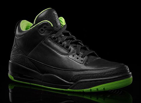 Air Jordan III: Black/Neon Green Collection