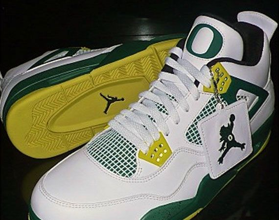 """Air Jordan IV """"Oregon Duckman"""" PE"""