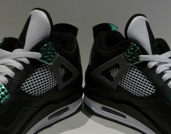 Air Jordan IV: Oregon Ducks PE   Available on eBay