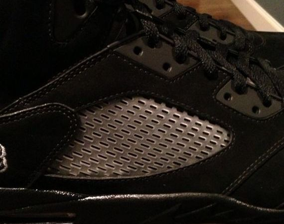 "Air Jordan V ""Blackout"" Sample"