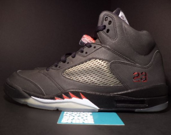 The Daily Jordan: Air Jordan V Raging Bull 3M   2009
