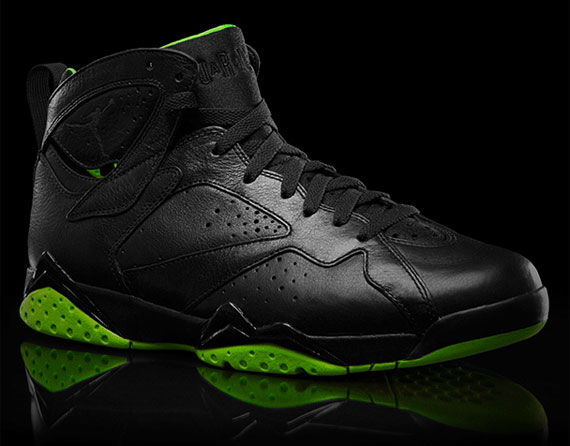 Air Jordan VII: Black/Neon Green Collection