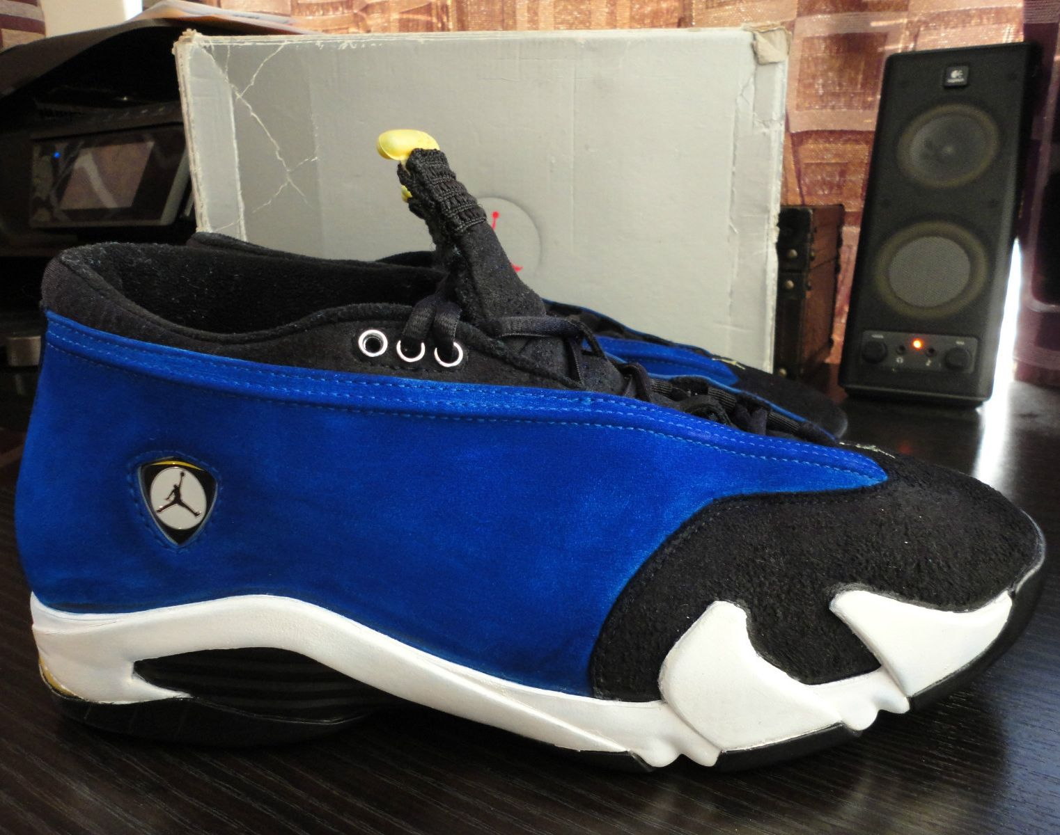 watch d78ff ff11d One of the more unknown  Laney  tributes came back on the Air Jordan XIV in  the form of this low version from 1999. The sneakers feature varsity royal  up ...
