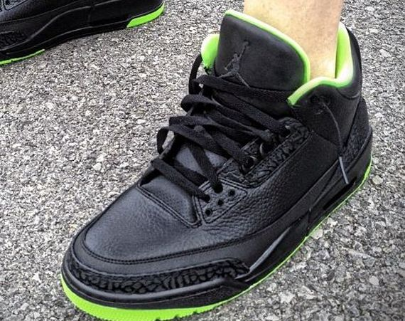 "Air Jordan III: ""XX8 Days of Flight"" Customs by Mache"