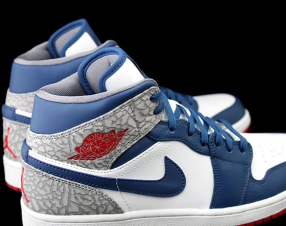 Air Jordan 1 Phat: True Blue
