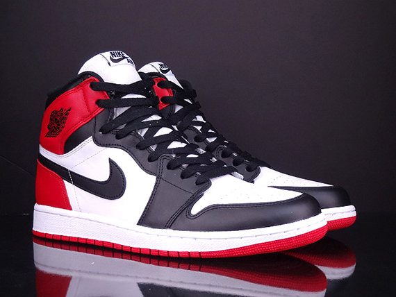 "Air Jordan 1 Retro High OG: ""Black Toe"" – Available Early on eBay"