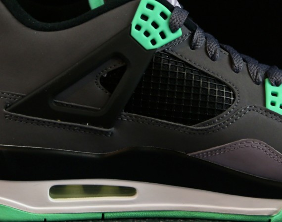 Air Jordan 4 Retro: Green Glow