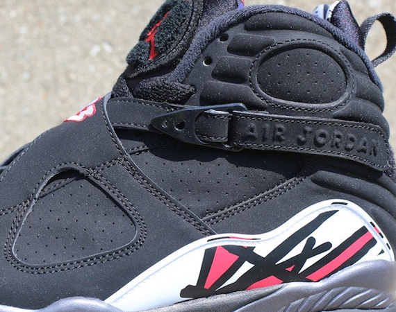 Air Jordan VIII: Playoffs   Arriving in Stores