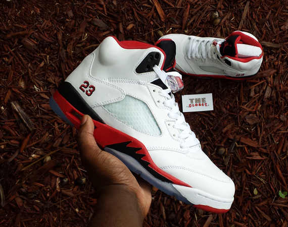 Fire Red Air Jordan V Retro