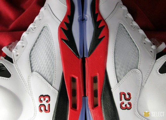 "Sneaker News Select  Air Jordan V  ""Fire Red"" – The Original Raging Bulls 677c4abf51"