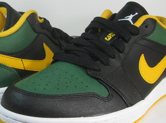 Daily Deal: Air Jordan 1 Low    Sonics